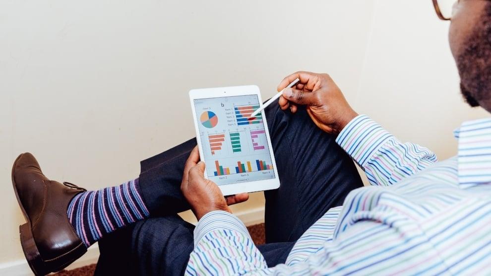 Exceliä ja esiintymistaitoja – millainen on taitava taloushallinnon osaaja?